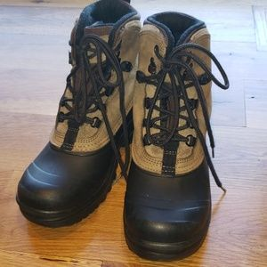 NWOT Women's London Fog Boots Size 9